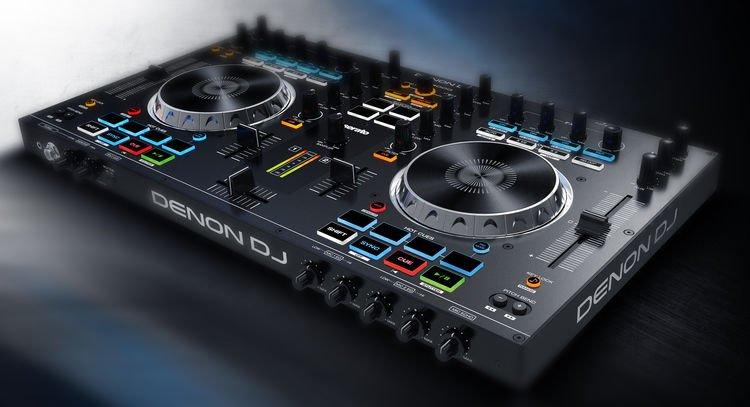 Bàn DJ đẹp nhất ở TPHCM