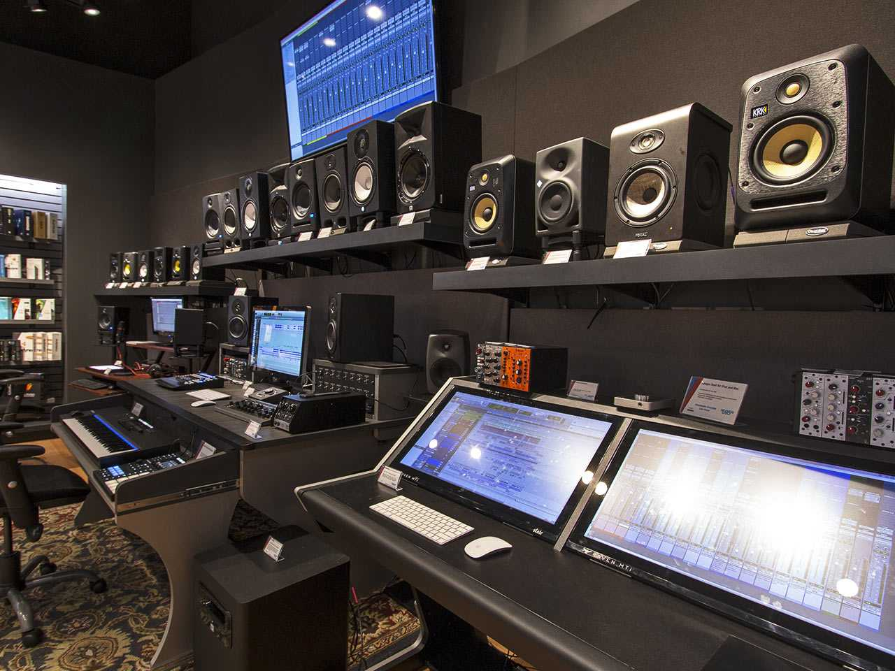 Mua phụ kiện dàn âm thanh ở TPHCM chính hãng