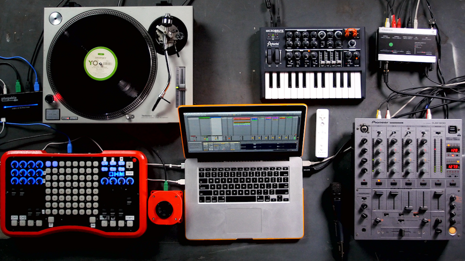 Thiết bị phụ kiện âm thanh đa dạng hiện đại