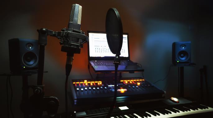 Mua mic thu âm và sound card cần quan tâm điều gì?